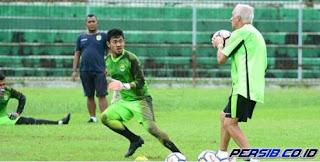 Mario Gomez Mengaku Tak Nyaman Persib Latihan di Bandung