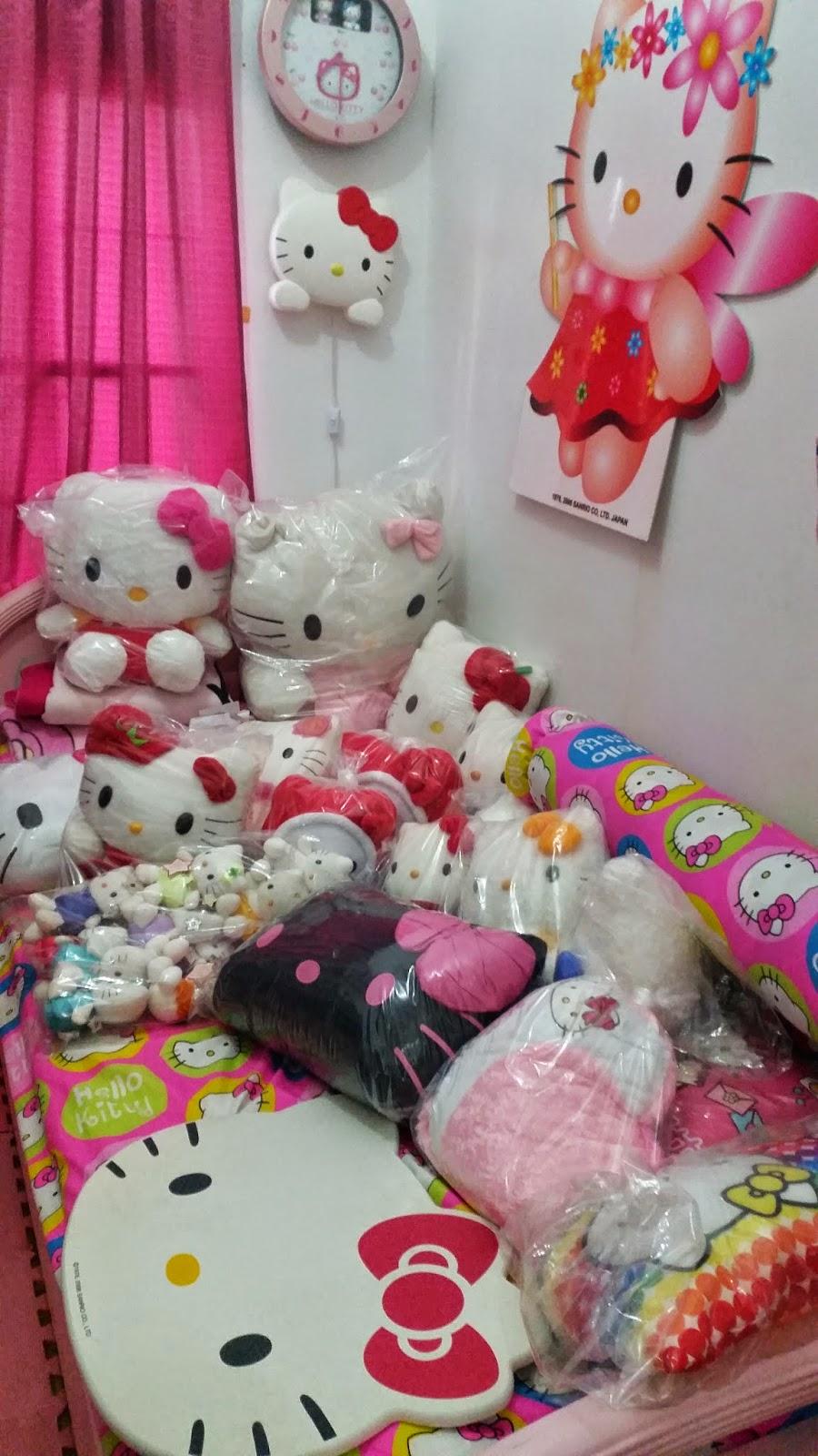 Glimpse Into My Hello Kitty Fantasy!  How to Organize Your Hello ... 0eb684a62675e