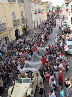 Bride With The Longest Veil; It's 3km-long 1