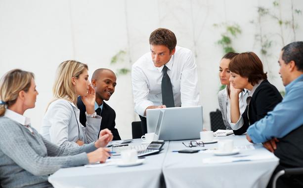 Pengertian Komunikasi Dalam Jaringan (Daring) Menurut Para ...