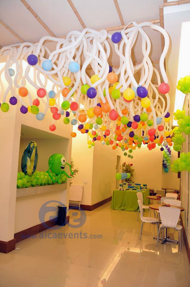 Balloon ceiling decor for Ceiling decoration ideas
