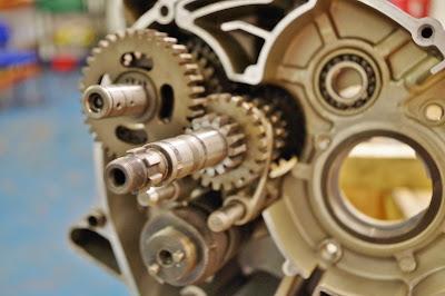 Yamaha YBR 125 Gearbox refitting