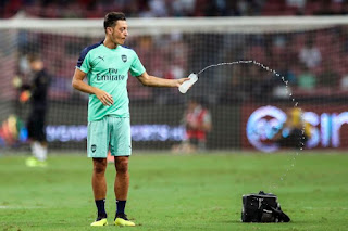 Sports gets ugly Kevin (KP) in cricket and Mesut ozil in football