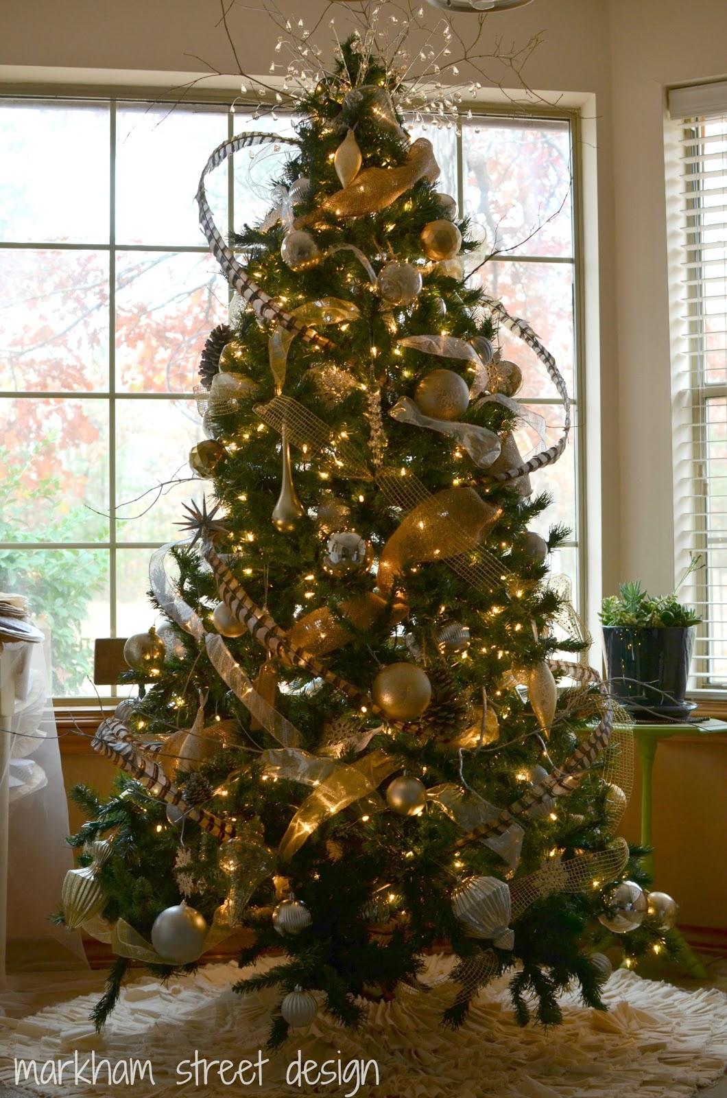 Rustic Christmas Decor Small Living Room: Laura Orr Interiors: Rustic Glam Christmas Tree