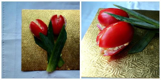 Tulipanes, tomates rellenos de ensalada de salmón