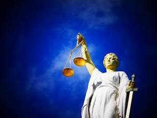 Kumpulan Puisi Keadilan Tentang Penegakan Keadilan