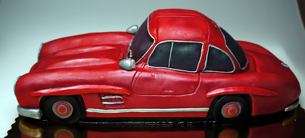 London Patisserie Mercedes Benz 3d Cake Design