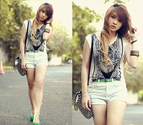 fashion accessorieslatest fashion trendsfashion dresses
