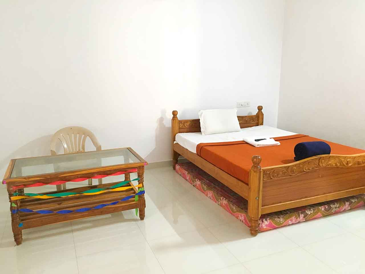 hill view guest house yelagiri