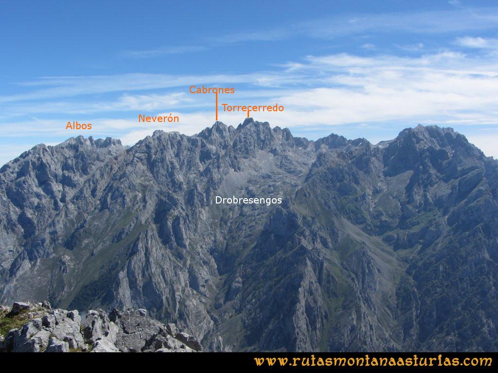 Ruta Ercina, Jultayu, Cuvicente: Vista del macizo Central desde el Cuvicente