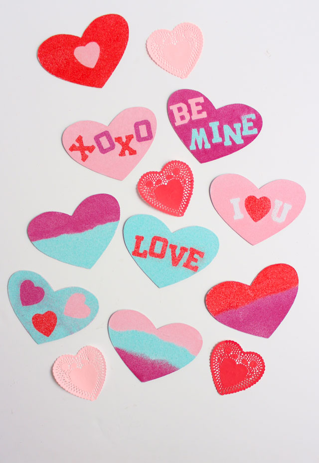 Such a fun kids sand art valentine card idea! #valentinecard #valentinecraft #sandart