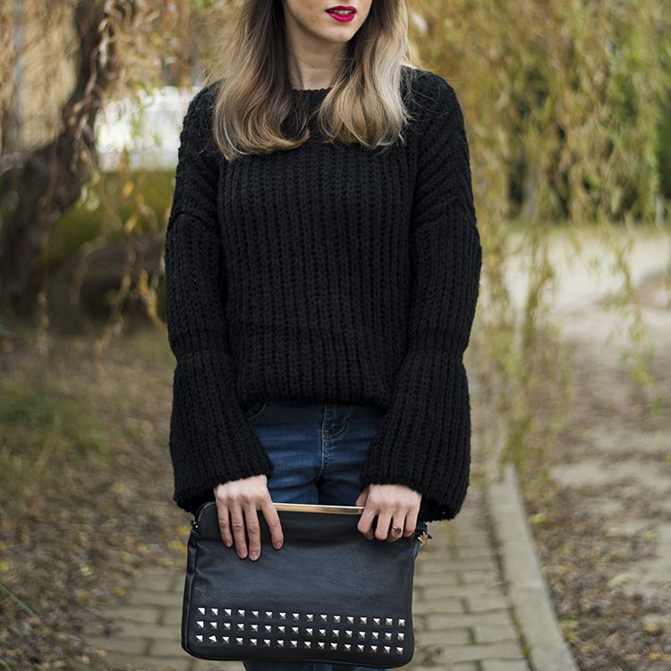 bell sleeve black chunky sweater
