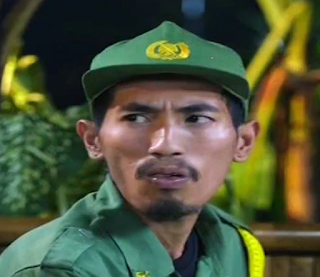 Thata Suryo pemeran hansip Adun