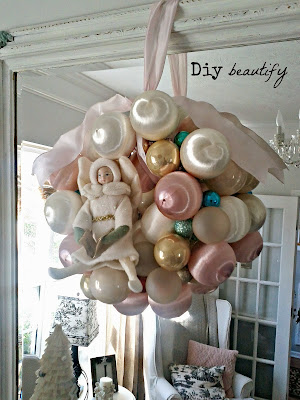 DIY Ornament Wreath with Vintage French Flair www.diybeautify.com
