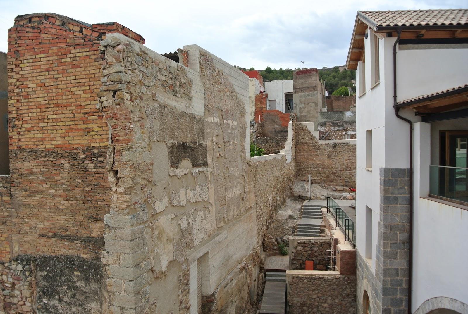 Unos amigos de paradores saguntum la ciudad romana de for Oficina turismo sagunto