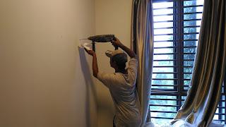 Warih Homestay : Proses Drill Dinding Dilakukan Dengan Berhati-Hati
