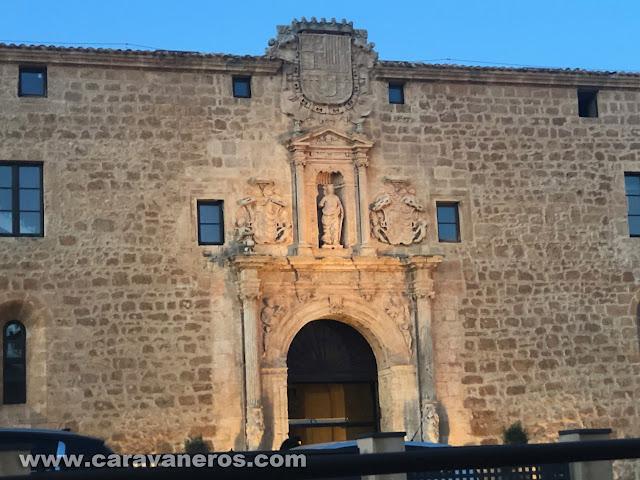 El Burgo de Osma. Torrezno y cerdoexperienci | caravaneros.com