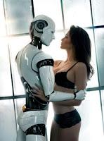 Mujer abrazada a un robot