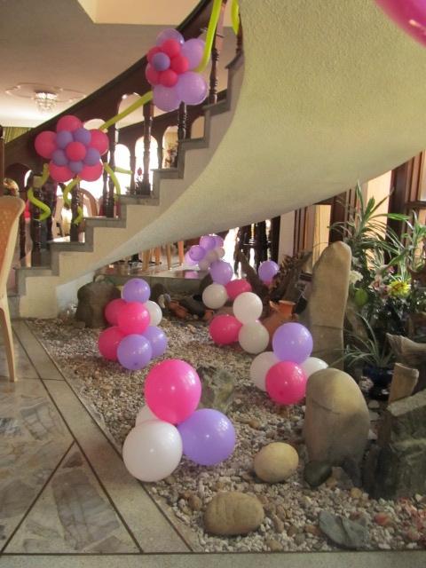 Decoracion con globos para primera comunion 1 for Fiestas comunion decoracion