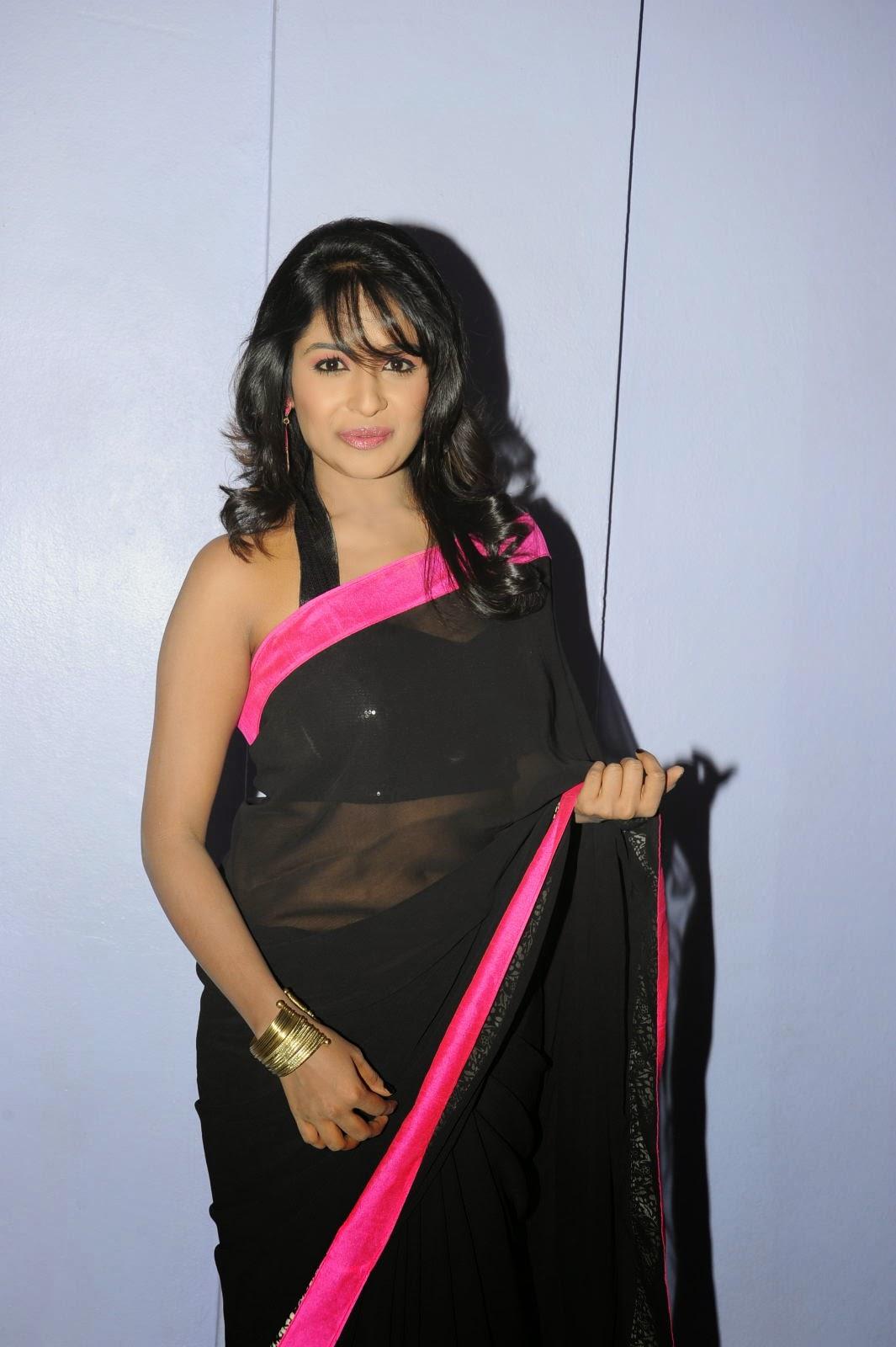 Isha Ranganath glam pics in saree-HQ-Photo-13