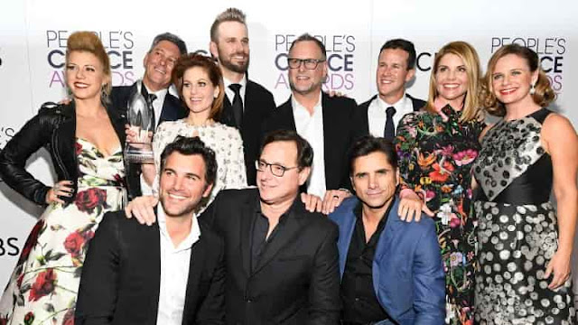 What Lori Loughlin's Fuller House co-stars have said since her scandal l News