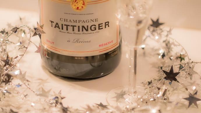 Wallpaper: Champagne Bottle