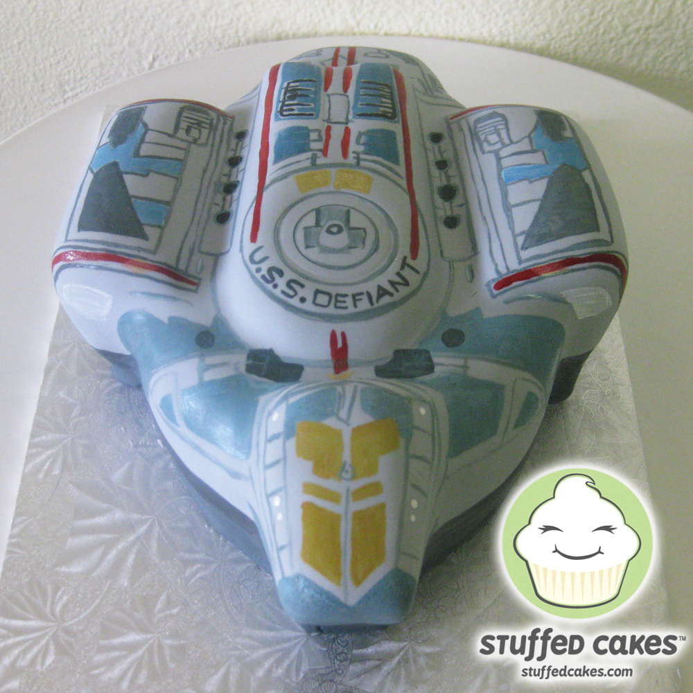 Stuffed Cakes Star Trek S Uss Defiant Cake