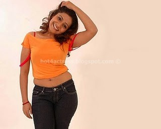 MEERA VASUDEVAN NAVEL SHOW PHOTO GALLERY