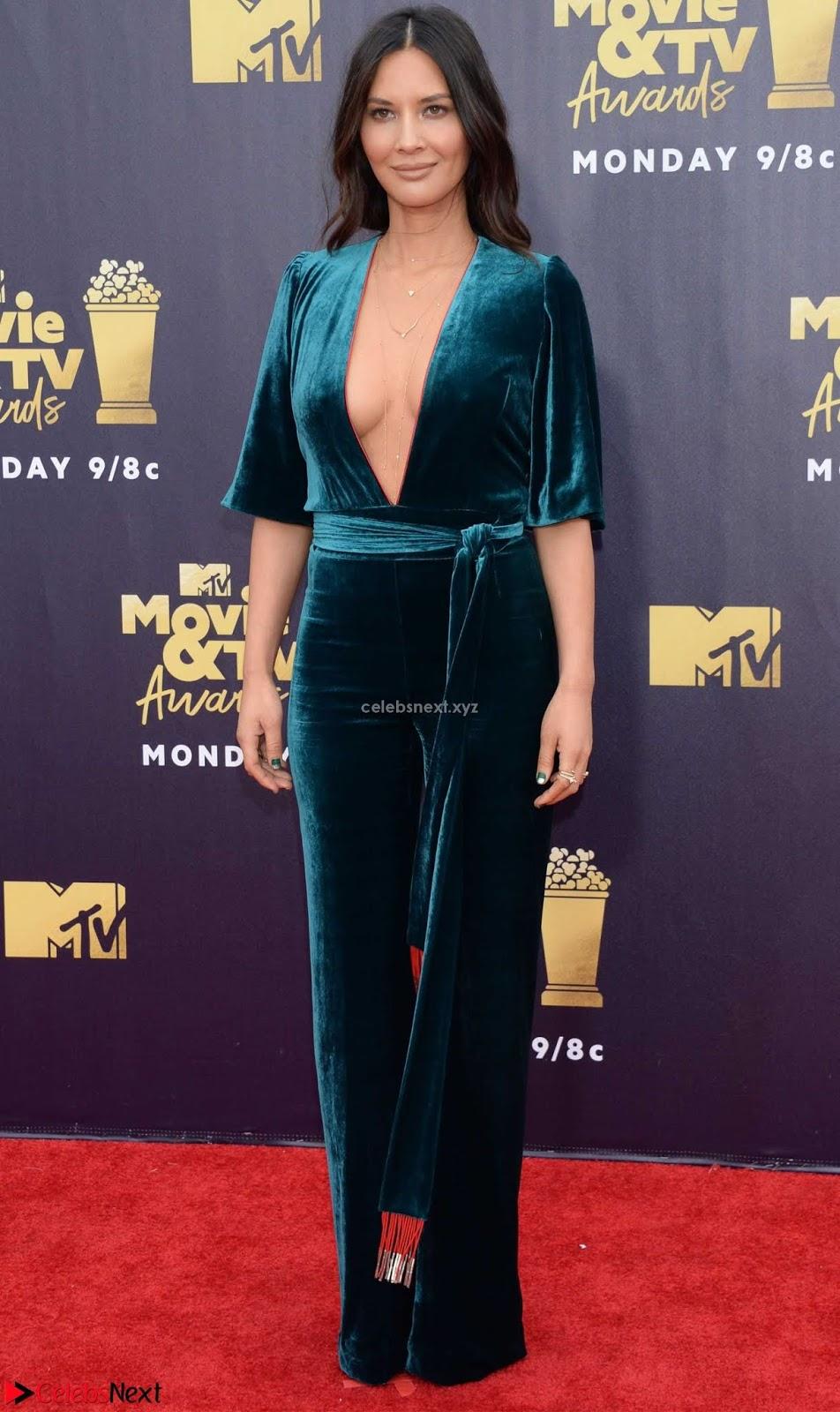 Olivia Munn exposing super sexy Boobs side boobs and lovely ass shape
