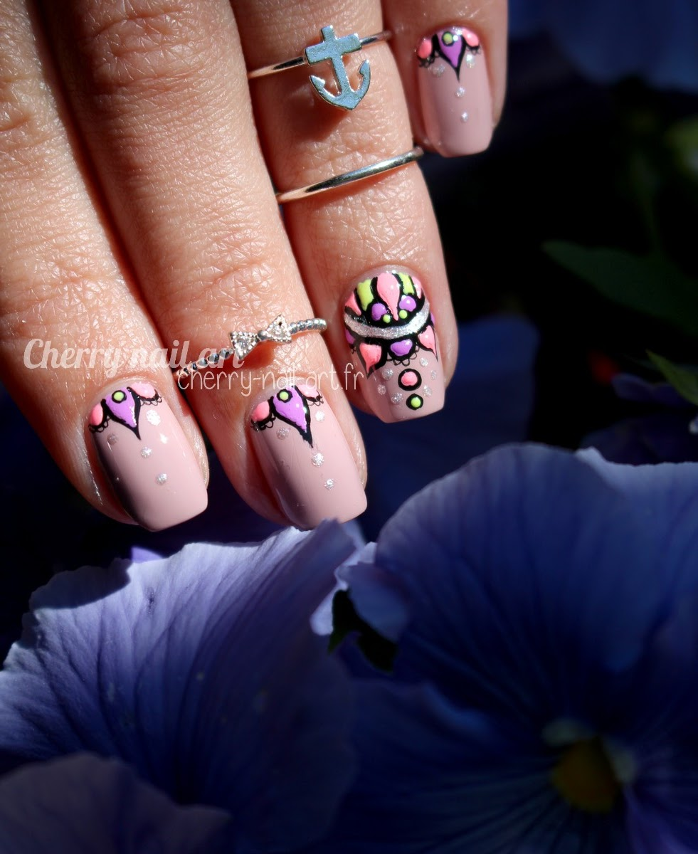 nail-art-abstrait-relief-vernis-fluo-mandala