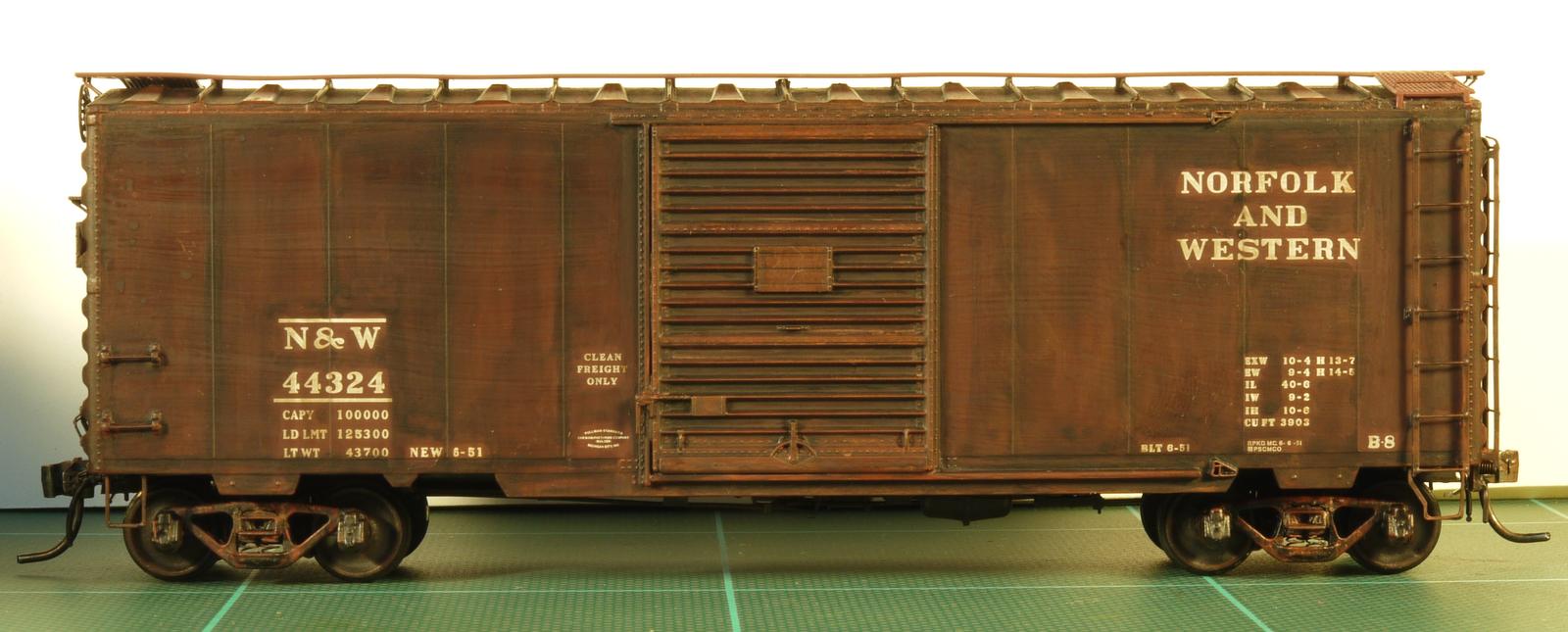 N&W+44324+box+car+12b.png