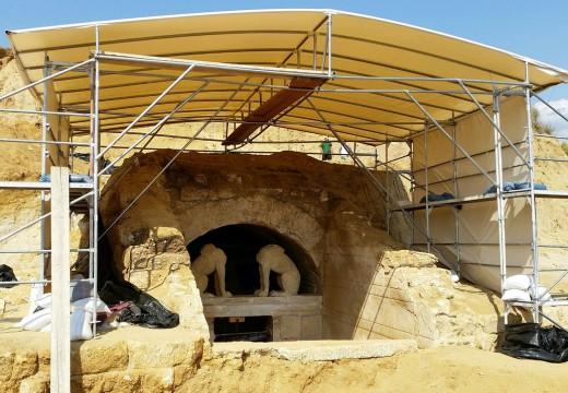 ΥΠΠΟΑ: Η κακή ανασκαφή του 2014 ευθύνεται για τα προβλήματα στην Αμφίπολη