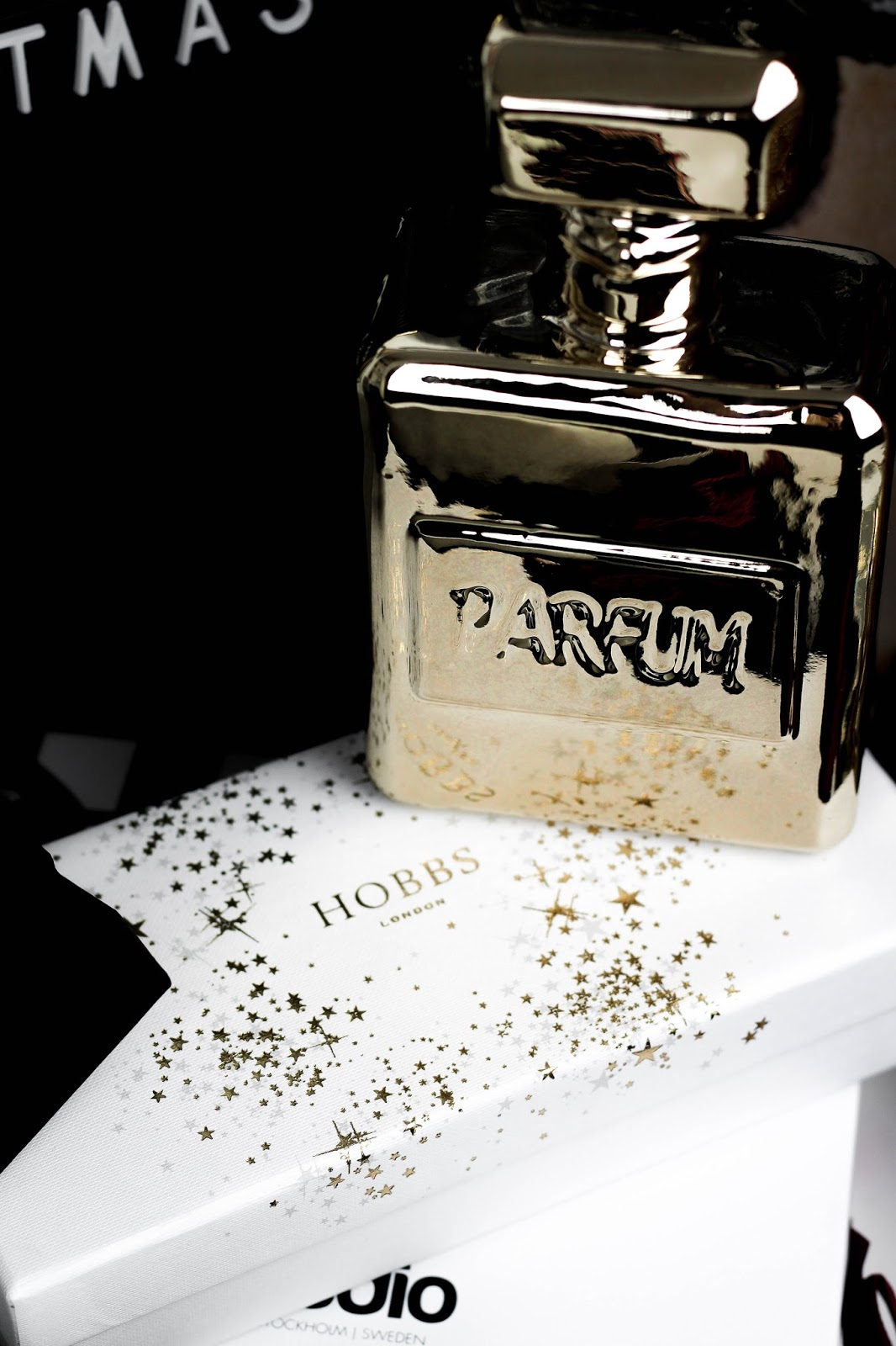 Gold Display Parfum Bottle