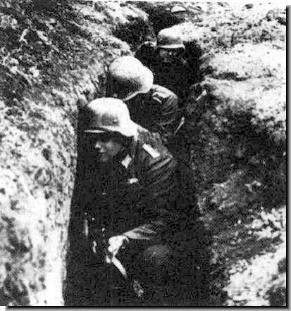 German soldiers await the Russian attack against the 3rd Panzer Army