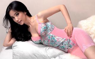Brunette Celeb Li Bingbing Laying On Bed