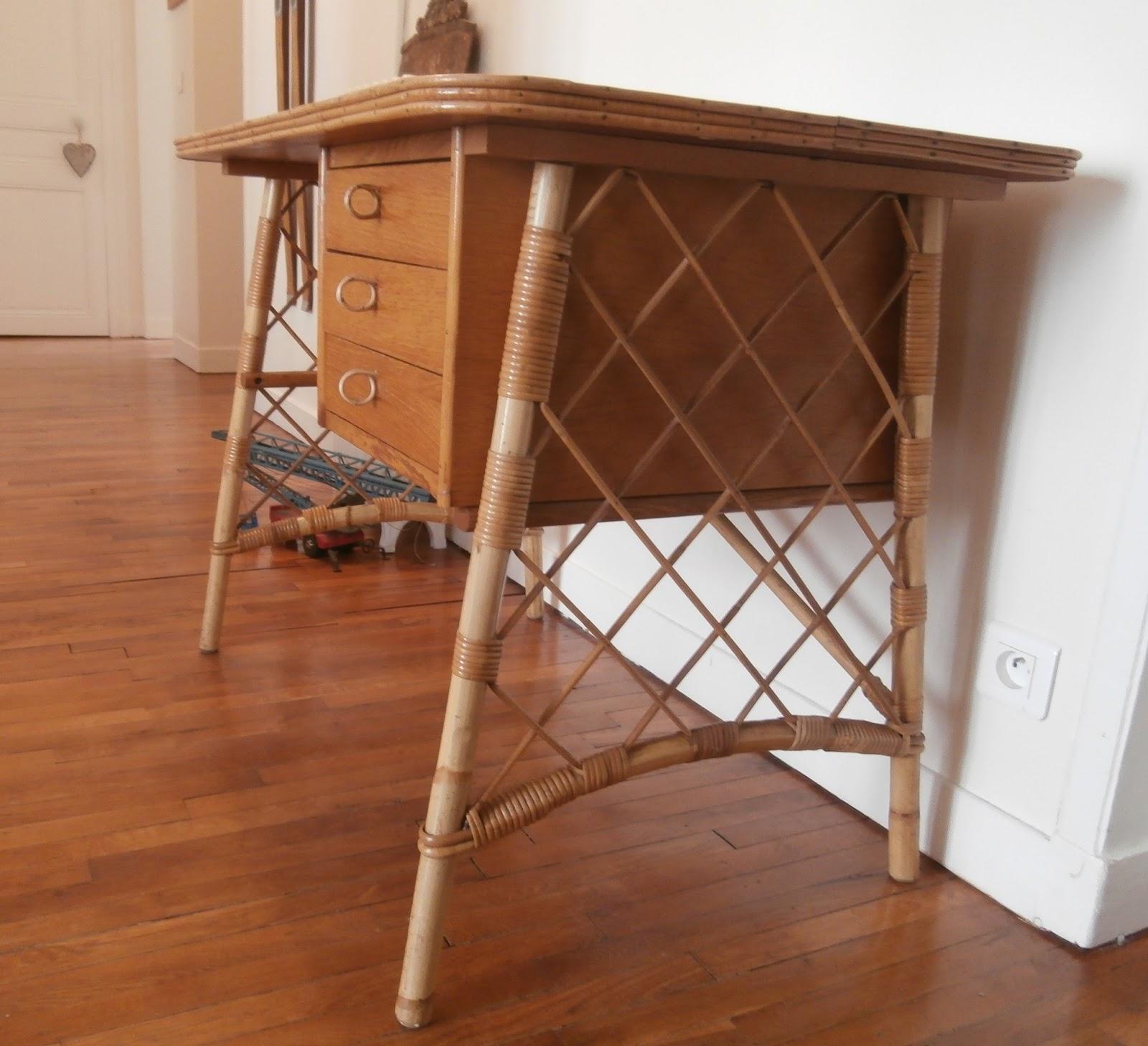 dur e de vie ind termin e bureau en rotin louis sognot. Black Bedroom Furniture Sets. Home Design Ideas