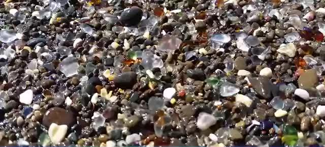 10 AMAZING PLACES AROUND THE WORLD 1. Glass Beach, California