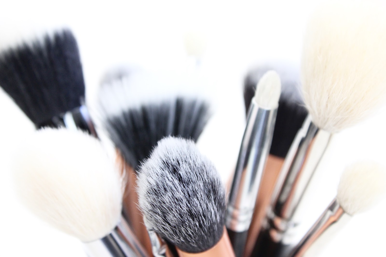Makeup Brushes: The Difference Between Natural And Synthetic! | Zoe Mountford