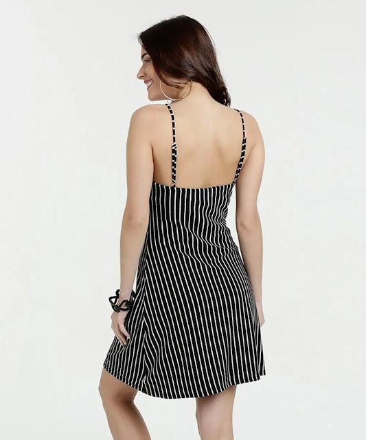 O vestido de alças finas, além de ser super feminino, dá um ar de delicada e sofisticada ao look