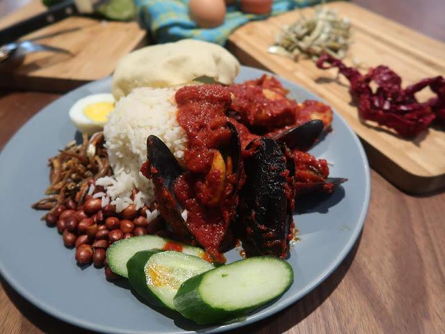 Nasi Lemak With Mixed Seafood (Sambal Grilled)