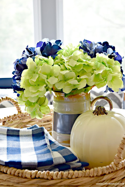 Navy blue and white fall farmhouse dining room decor