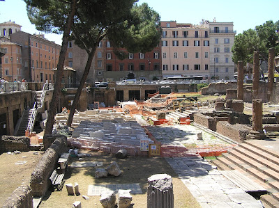 Photo by E.V.Pita 2011 / Rome: Argentina Tower, Iulius Caesar was killed here