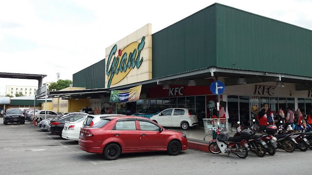 Giant Hypermarket Bandar Baru Nilai