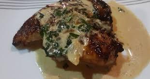 ستيك اللحم بالصلصة والجبن
