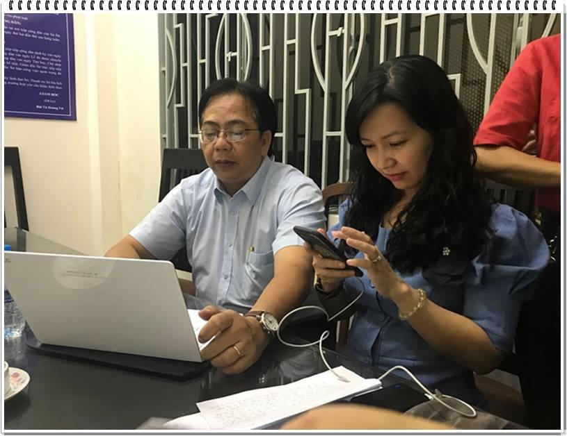 Ông Nguyễn Việt Anh, Trưởng phòng Quản lý Lữ hành, Sở Du lịch TP.HCM làm việc với doanh nghiệp tại Gò Vấp. Ảnh: Phúc Minh.
