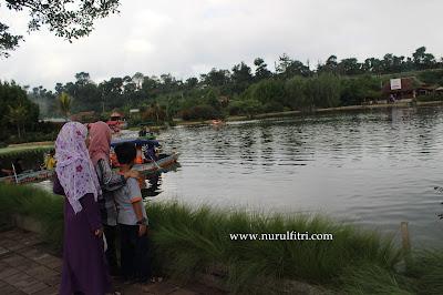 http://www.nurulfitri.com/2017/04/4-tempat-wisata-favorit-di-Bandung.html