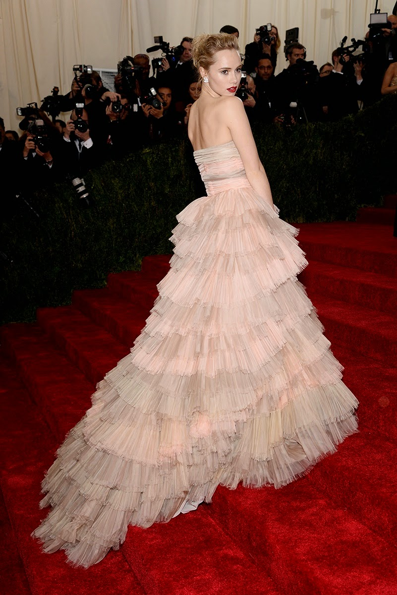 MET Gala 2014, Met Gala, Charles James, New Fashion, Latest Trends, Latest Fashion, Beyond Fashion, Fashion, Designers, Designer Clothes, Suki Waterhouse, Burberry, Anita Ko, Fashion Blogger of Pakistan, Fashion online, Dress, Clothing