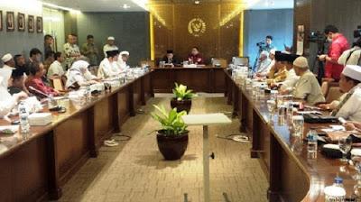 Pemerintah Tak Tegas Tangkap Ahok, DPR Berencana Ikut Dalam Aksi Bela Islam II