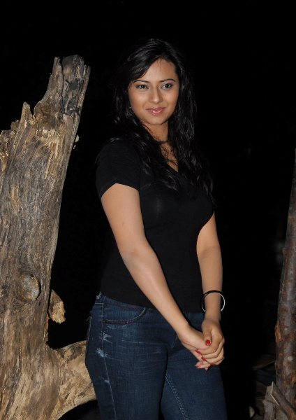 Isha chawla latest hot photoshoot
