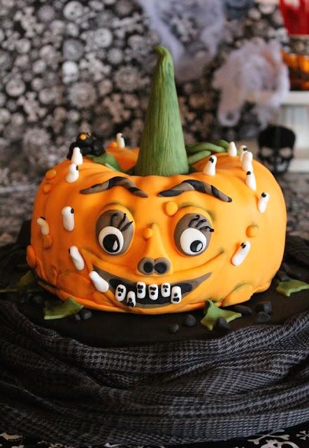 Kürbis Tilly und die Zahngeister: Eine Motivtorte zu Halloween.